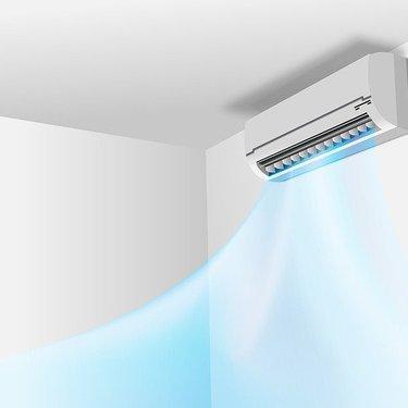 エアコンが水漏れする原因は?自分でできる対処法や修理の費用をまとめて紹介!