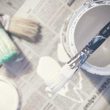 ダイソーの水性ニスは安くて優秀!おすすめの色やDIY活用法も紹介!