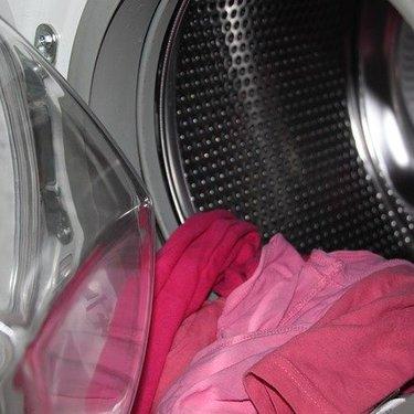 洗濯表示の「F」の意味とは?「P」との違いや正しい洗い方をチェック!