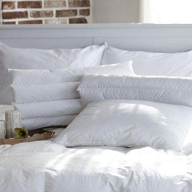 枕の向き・方角ごとの意味を解説!風水で運気が上がるのはどの位置?