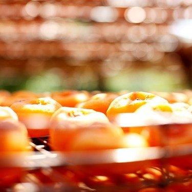 干し柿の作り方!自宅で簡単にできる方法・食べ頃の見極め方・保存方法も!