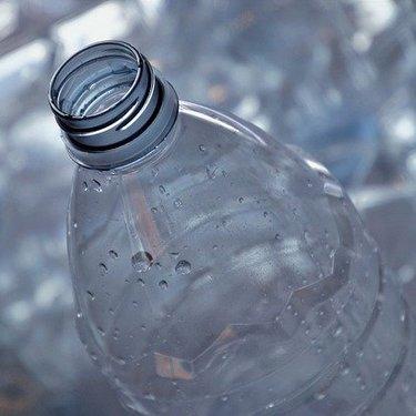 水の賞味期限はどのくらい?開封前後の違いやメーカー別の長持ち具合も解説!