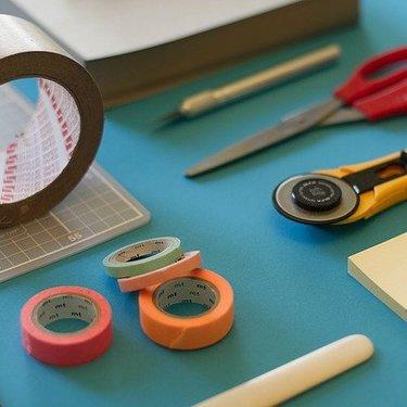 作業台をDIYで作ろう!初心者向けの簡単な作り方や自作アイデアもチェック!