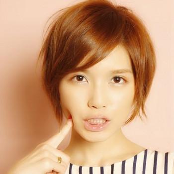 その中から今回特集するのは、AAAのメンバーの1人である宇野実彩子さんの髪型です。宇野実彩子さんの髪型は、色々ありますが、ここでは可愛いショートスタイルや