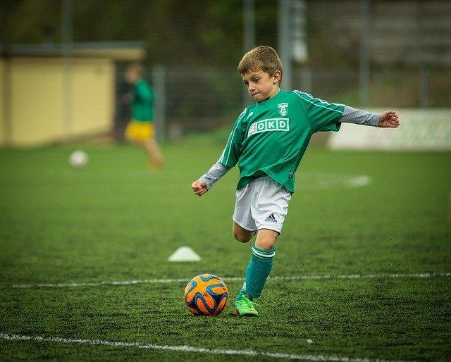 「フットサル」と「サッカー」の違いとは?意味や使い方を解説!