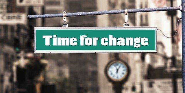 「以降」と「以後」の違いとは?意味や使い方を解説!