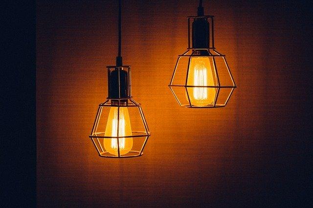 「昼光色」と「昼白色」と「電球色」の違いとは?意味や使い方を解説!
