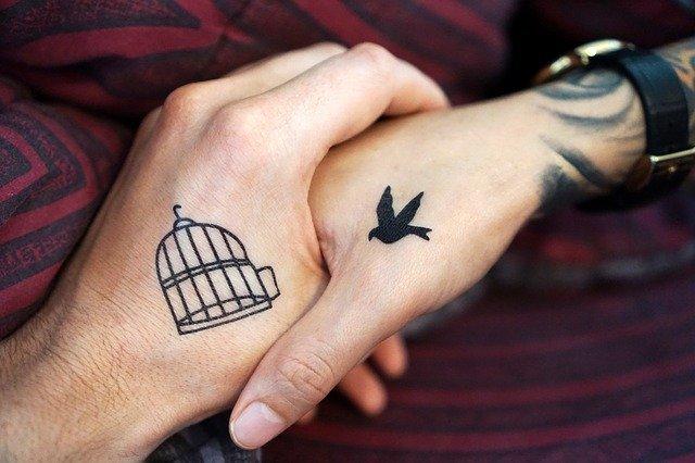 「刺青」と「タトゥー」と「入れ墨」の違いとは?意味や使い方を解説!