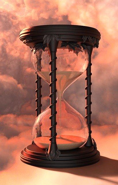 「栄枯盛衰」の意味とは?意味や使い方を解説!