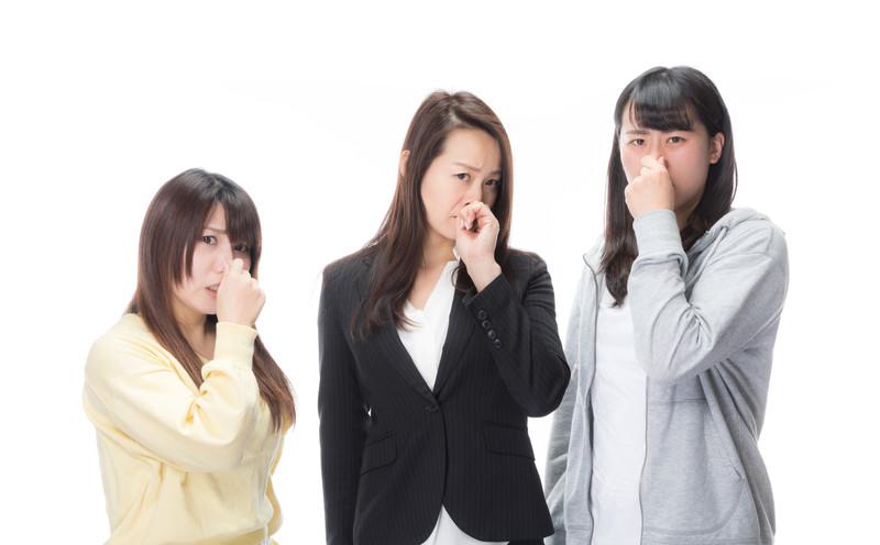「臭い物に蓋をする」の意味とは?意味や使い方を解説!