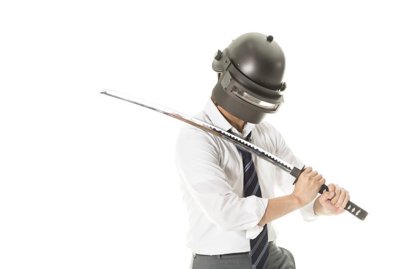 「諸刃の剣」の意味とは?意味や使い方を解説!