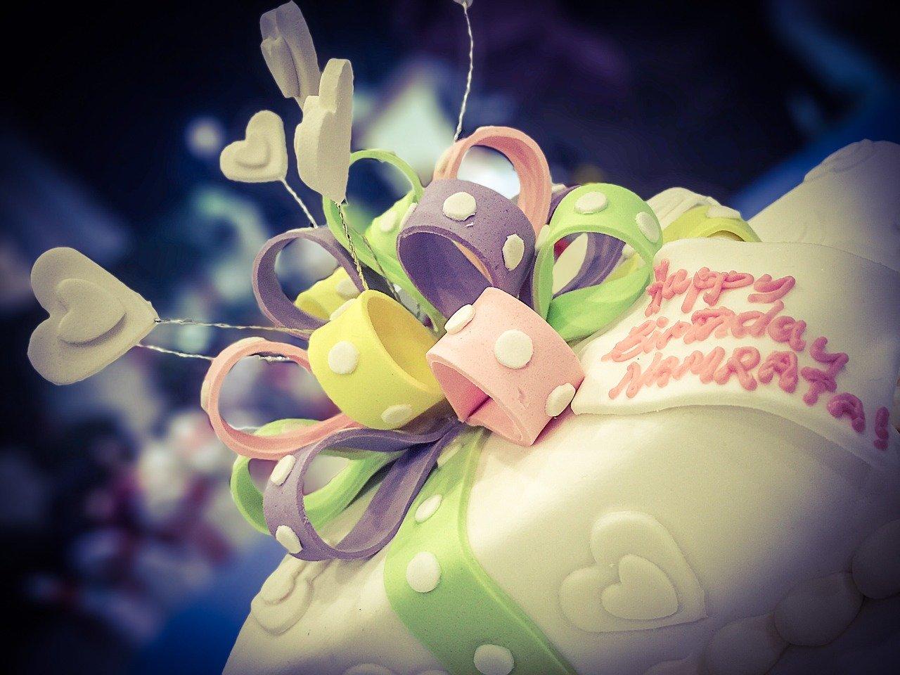 3月12日の誕生石・誕生花・星座・運勢・相性は?【365日誕生日占い】