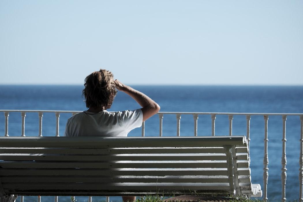 人を探す夢の意味19選【夢占い】家族・恋人・好きな人・会えないなど