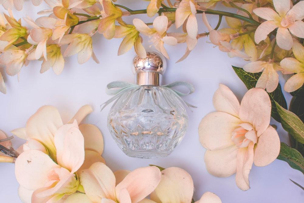 3月~5月生まれの方へおすすめ!誕生花の香りの香水3選