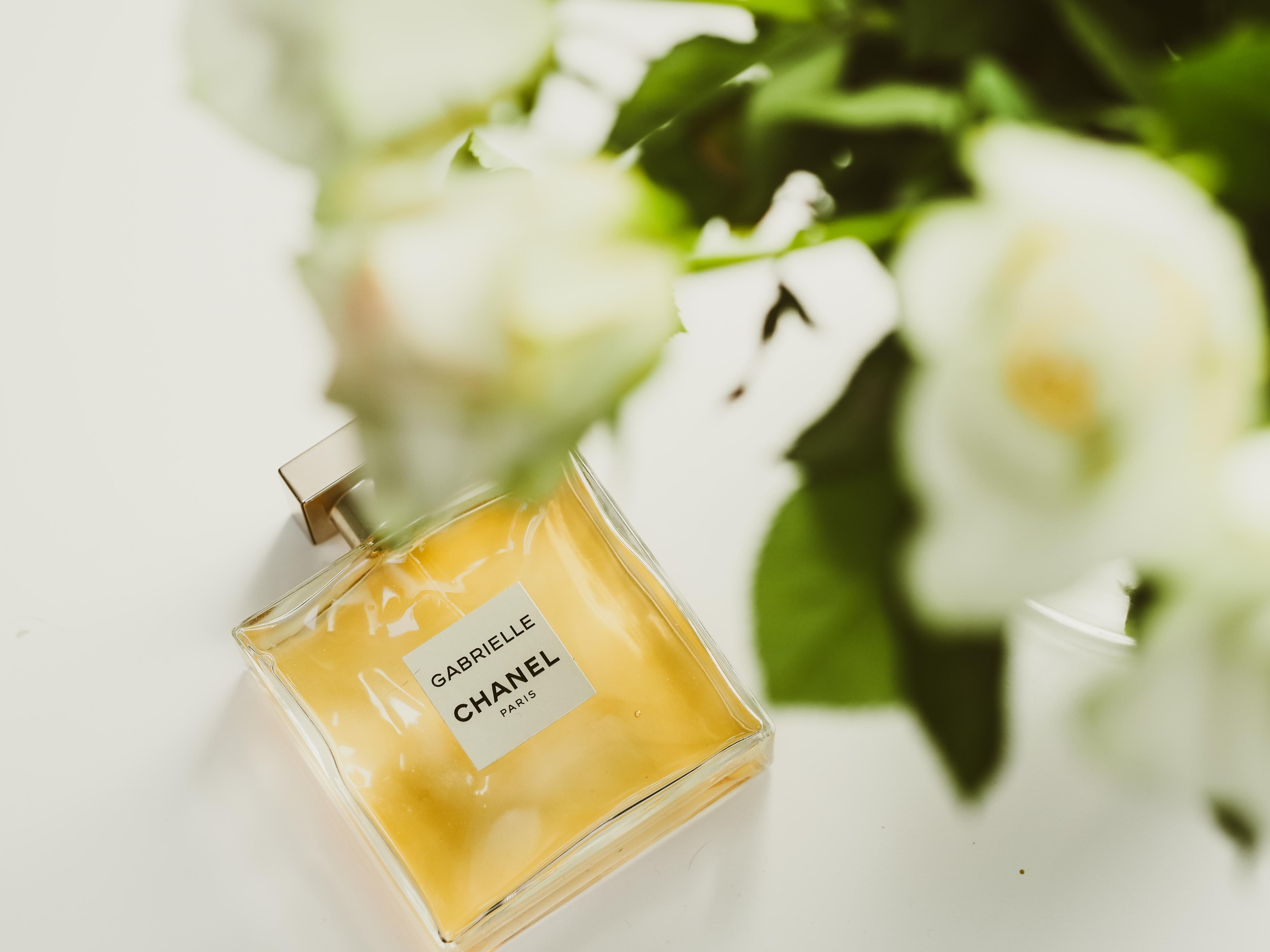 6月~8月の誕生花別のおすすめ香水!自分の誕生花&香水で気分も運気もアップ!?