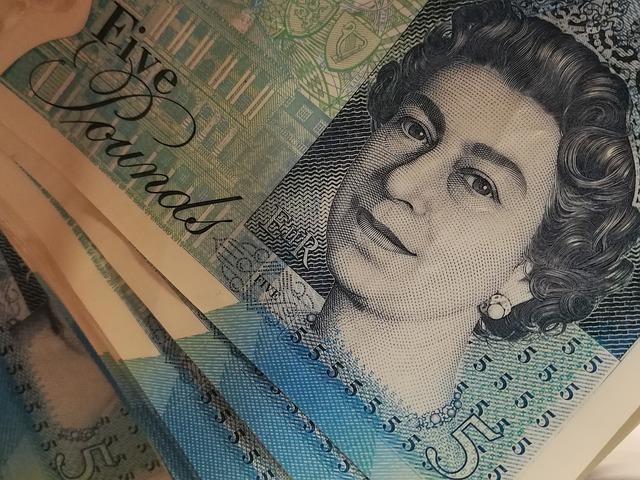 クィーンズイングリッシュを話す人といえば女王陛下のイメージです。