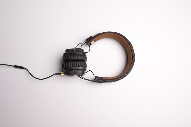 黒のヘッドフォンの写真です。