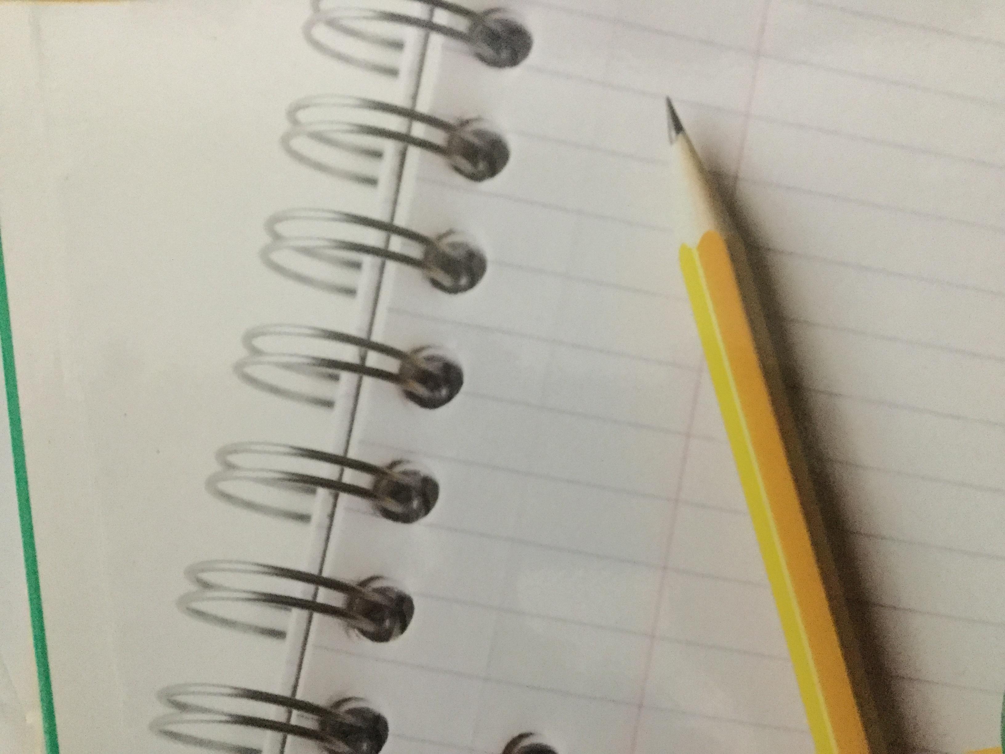 ノートと鉛筆の写真です。