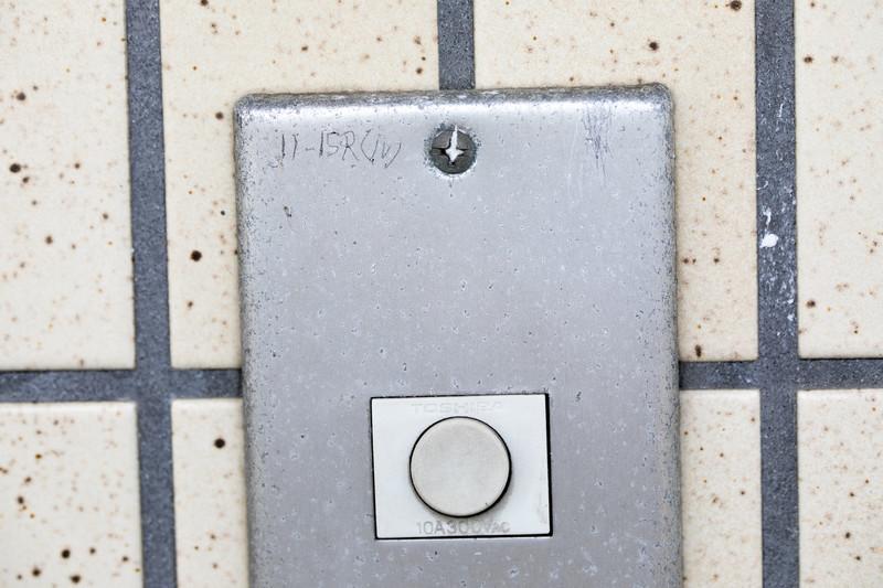 インターホンのボタン