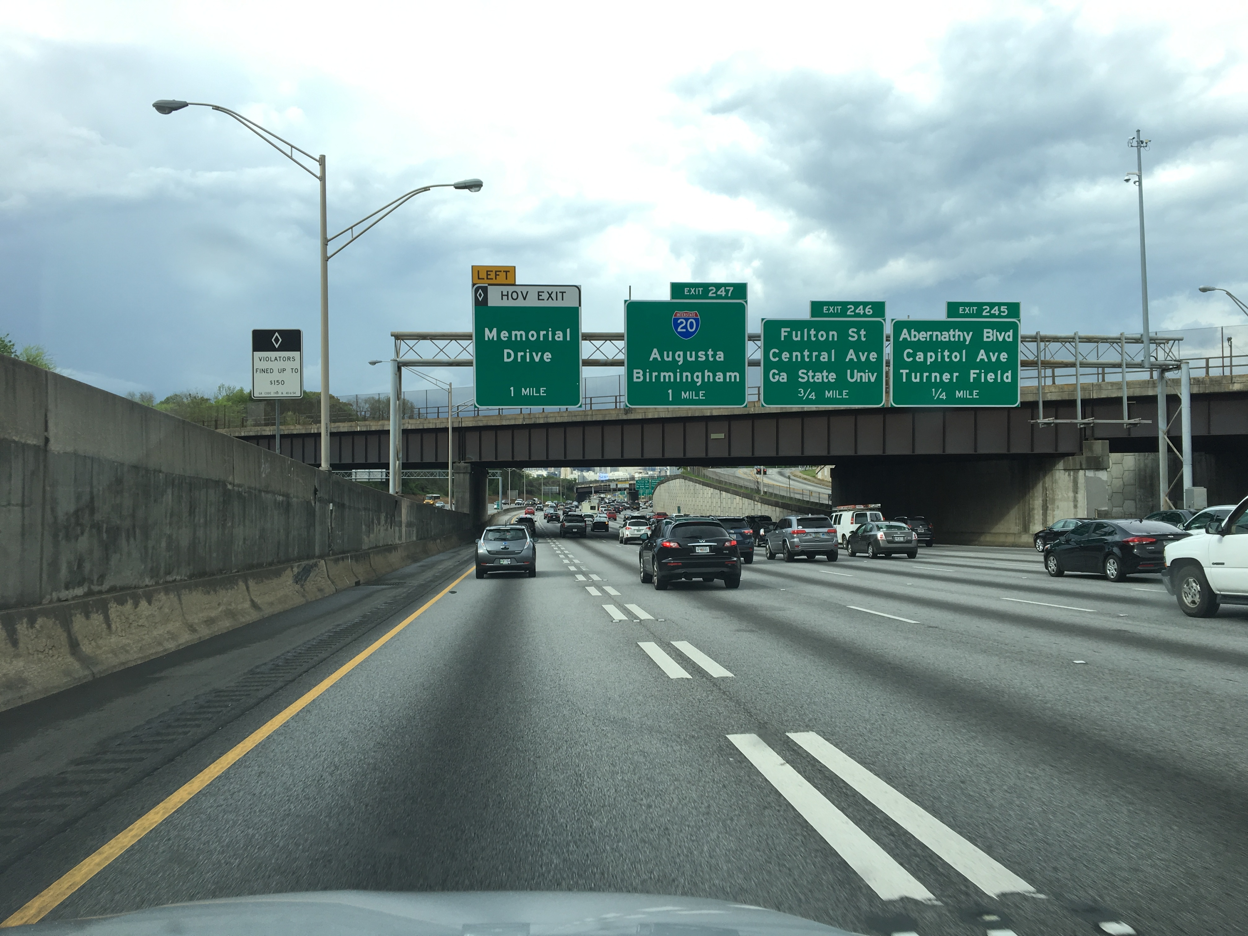 車、高速道路