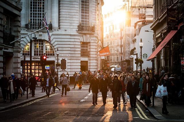 現代イギリスの街頭