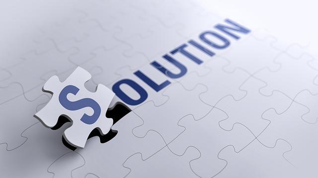 「SOLUTION」と書かれたパズル