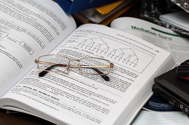 眼鏡と英語の本
