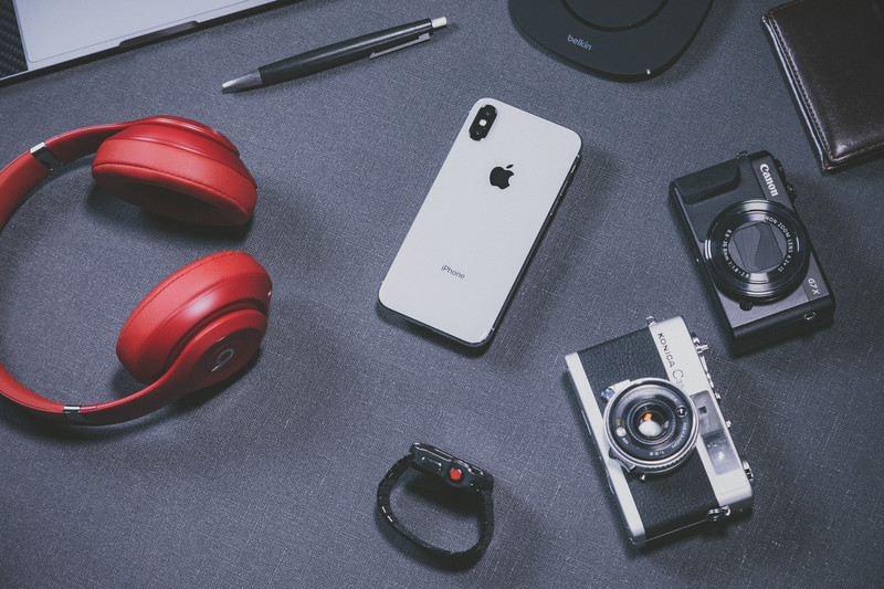 ヘッドフォンとスマホとカメラ