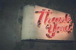 英語で「連絡ありがとう」はどう伝える?ビジネスメールで使える言い回しまとめ