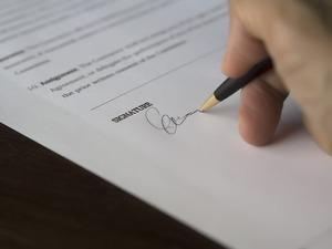 英語のサインの作り方・書き方|筆記体を使ってデザイン性のあるかっこいいサインを作ろう