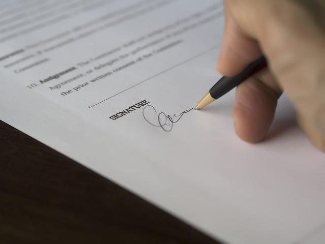 英語のサインの作り方・書き方|筆記体を使ってデザイン性のあるかっこいいサインを作ろう!