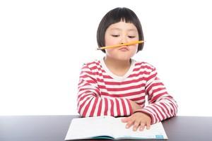 英文の覚え方にコツはある?構文からスピーチまで英語を早く覚える方法を解説!