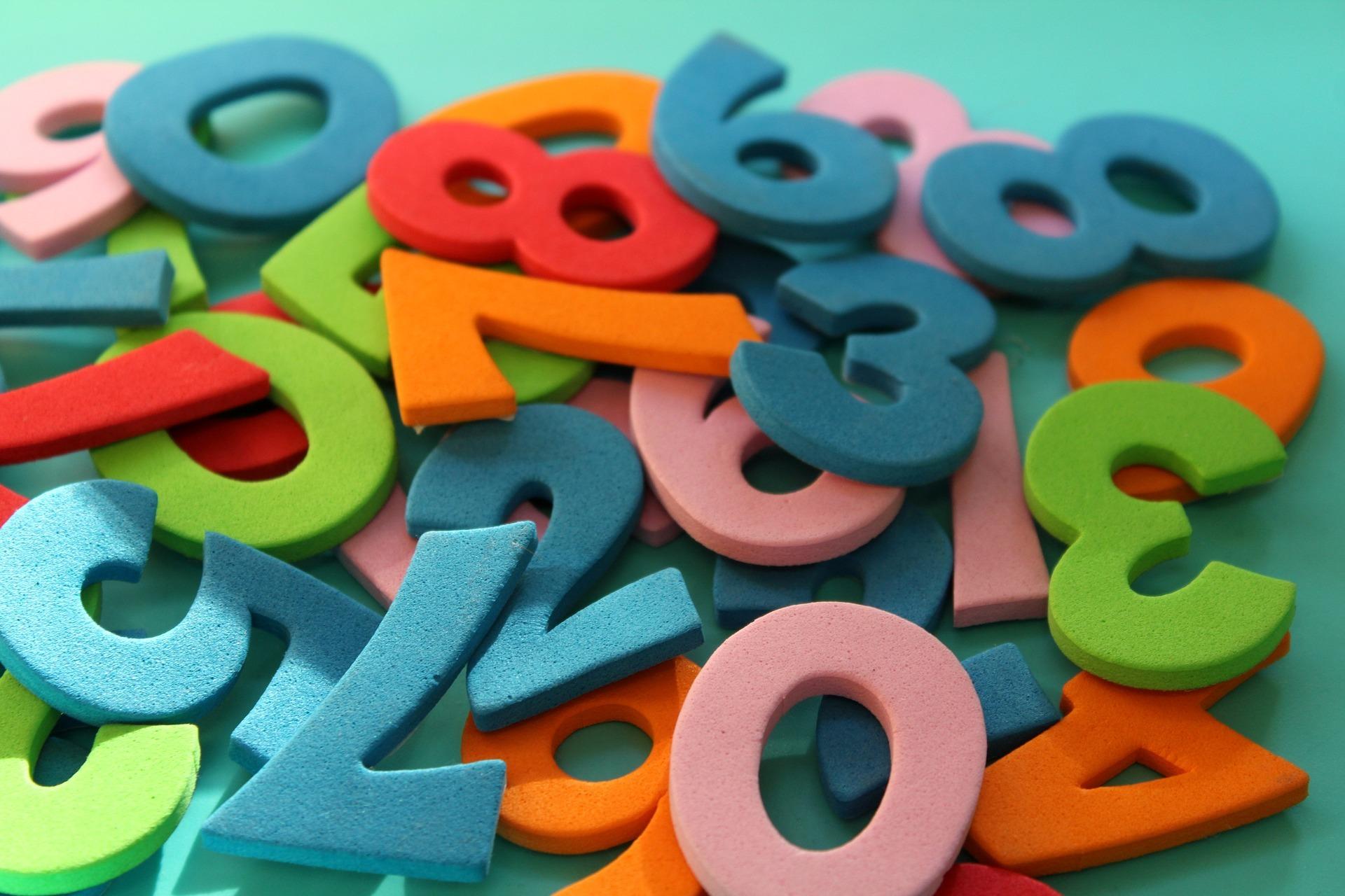 英語で数字の読み方|「千」「万」など大きな単位の数え方も具体的に紹介!