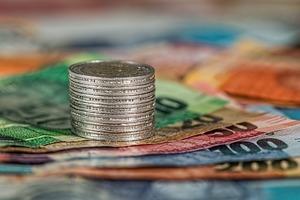 お金の英語表現が苦手なあなたへ | 千・万・億・兆など単位の大きい金額もまとめて紹介!