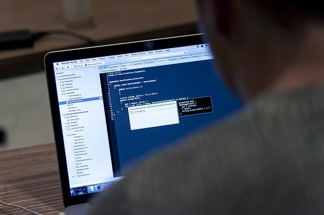 プログラミングに英語力は必要?プログラミング言語はどうやって学ぶ?!