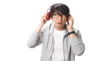 英語リスニングにおすすめの教材・アプリ6選!「聞く」力を上げて英会話力アップ!