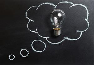 英語で「考える」って何て言う?considerとthinkの違いなども解説!