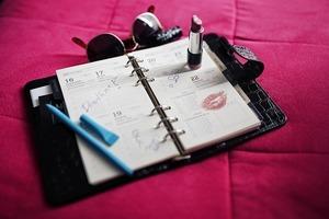 カレンダーの英語表記一覧|3文字に略した月表記や曜日表記をまとめて紹介!