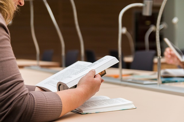 TOEFL iBT対策におすすめの参考書&問題集はこれだ!初めて受験する方も必見!