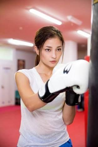 芸能人グラビア すじ ボクシング黒木メイサ