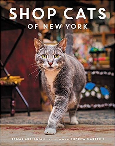 Tamar Arslanianの写真集『Shop Cats of New York』