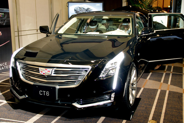 CT6 正面