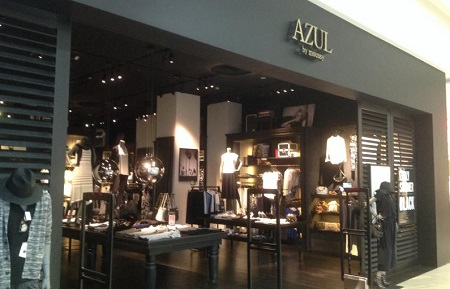 AZUL by moussyの店頭