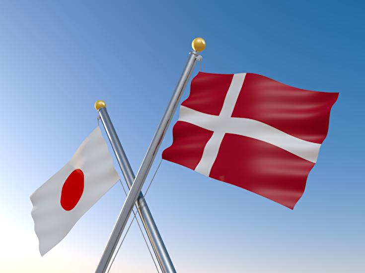 デンマークと日本の国旗