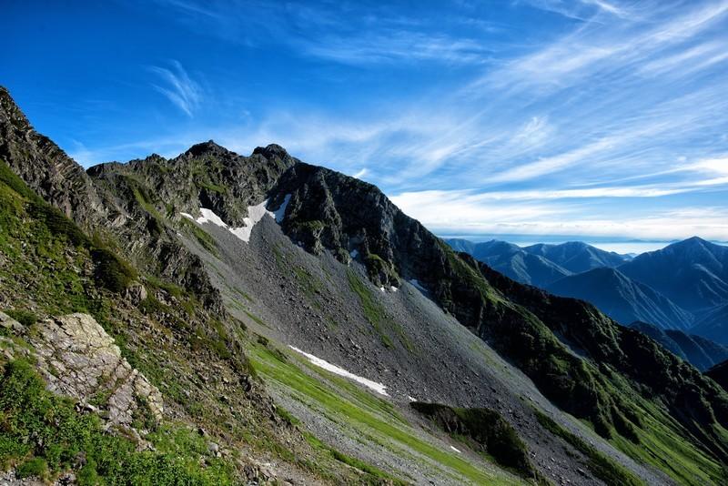 陣馬山の魅力ある4つの登山コースをご紹介!初心者にもおすすめのコースは?
