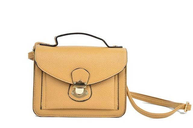 海外旅行におすすめのショルダーバッグ19選!便利で使いやすいバッグをご紹介!