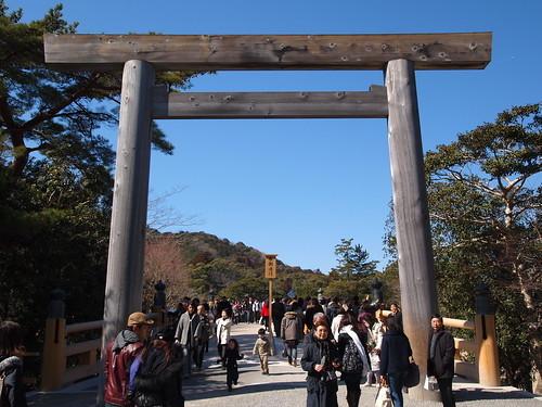 伊勢神宮はバスツアーが楽で便利!グルメも楽しめるガイド付きツアーをご紹介!