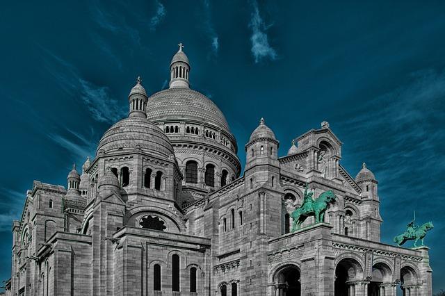 シテ島とは?パリ発祥の地の由来や歴史を解説!