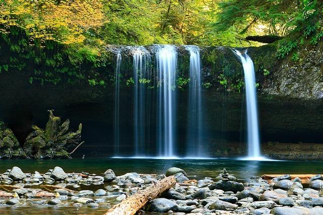 世界三大瀑布とは?世界的に有名な大きい滝をご紹介!