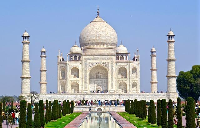 インドってどんな国?観光で人気の都市や由来などをご紹介!